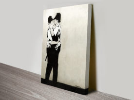 banksy kissing coppers art